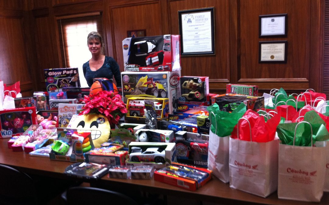 Santa's helpers ensure a Merry Christmas for families in local shelter